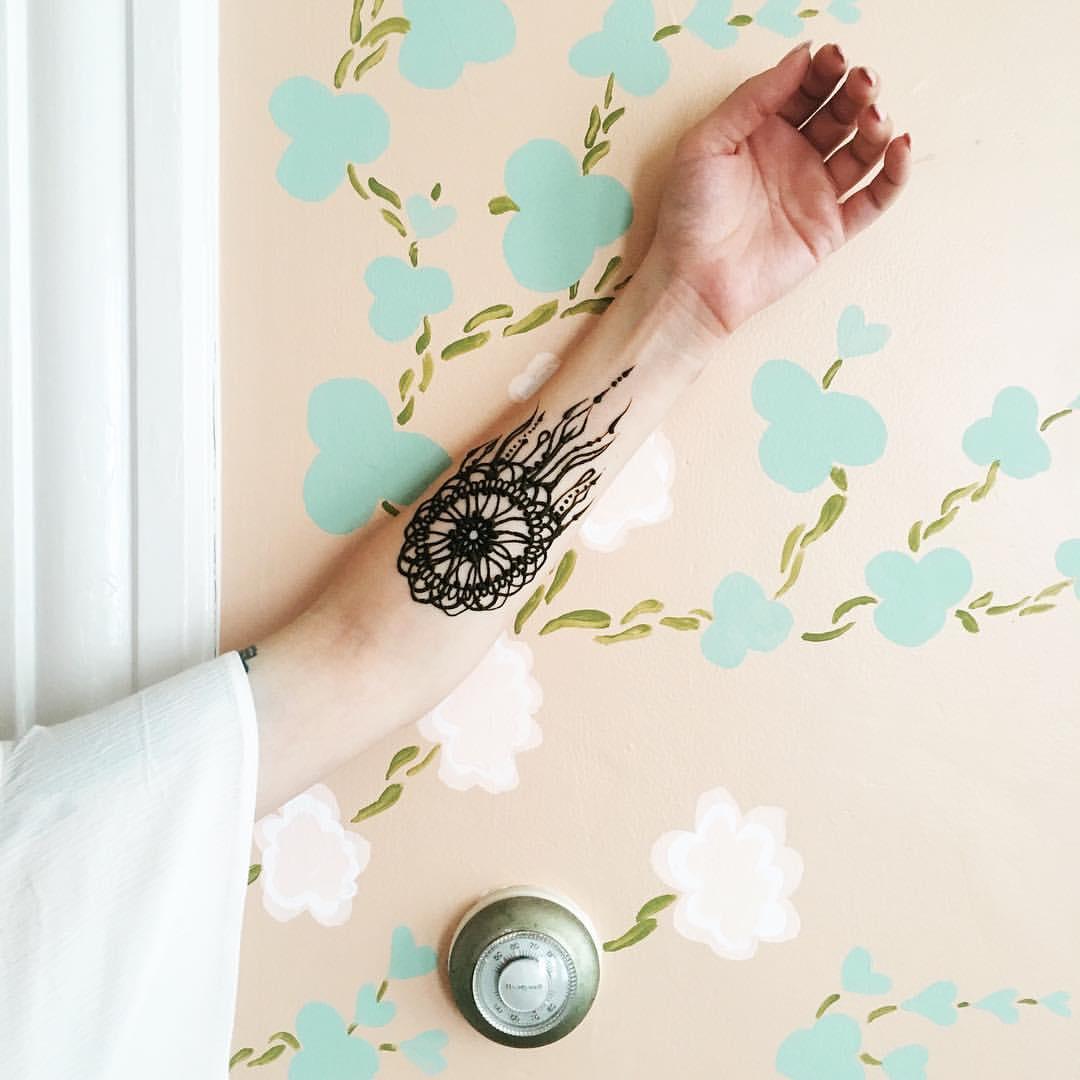 Henna by Rayna Gasteiger