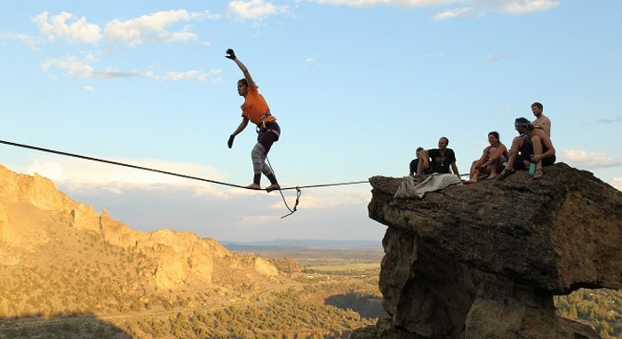 Shorter highlines can result in higher peak forces at the anchors.