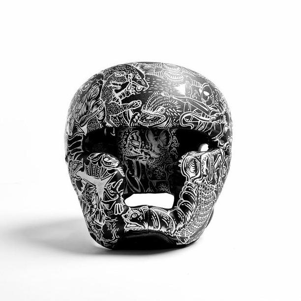 スペシウム光線!  (supeshiumu kosen)   customised boxing mask created for kult magazine's unbreakable exhibition, held at ica gallery singapore.  paint on leather boxing mask august 2013