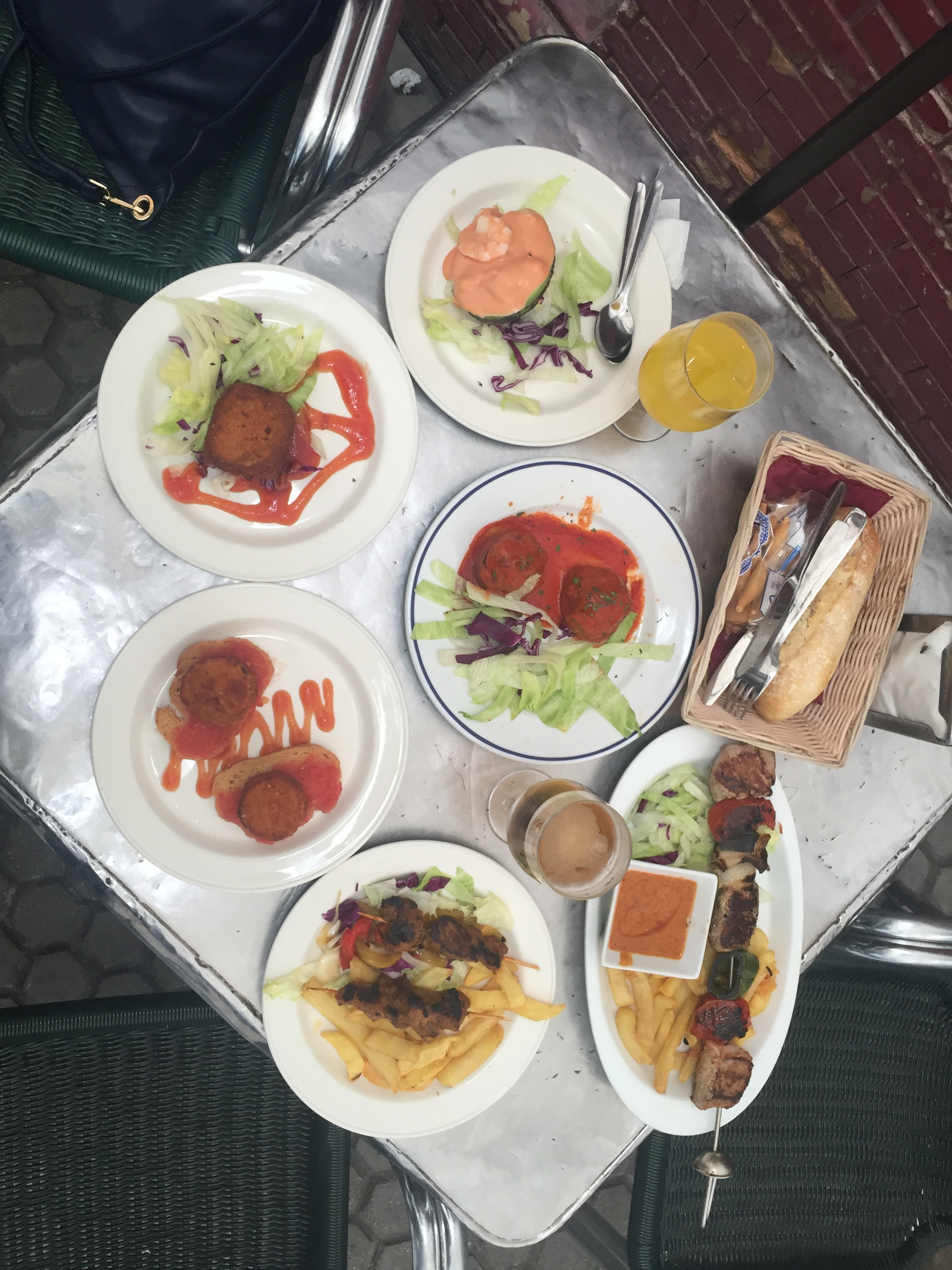 Stuffed mushroom with meat and tomato sauce, Stuffed avocado, Fried goat cheese and tomato slices on toast, Camembert cheese filled with prawns, grilled chicken and beef with roasted peppers and chunky chips.