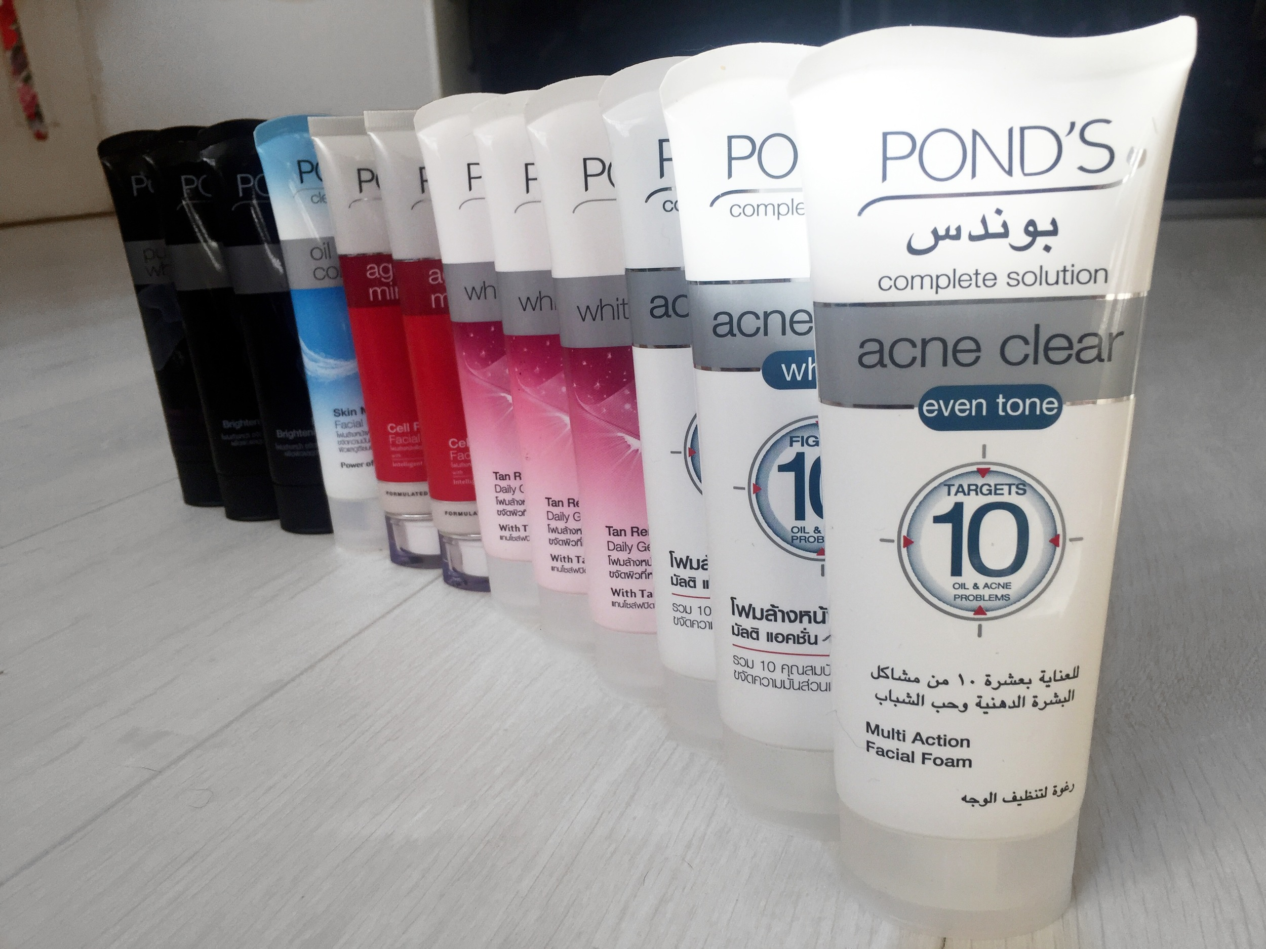 From Acne Clearing to Anti ageing, Ponds has it all. And yes, I sort of binged when I saw that they stocked it in Dubai.
