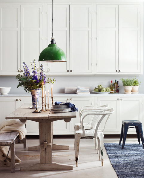 rustic-chic-dining-area-in-white-kitchen-from-skonahem.jpg