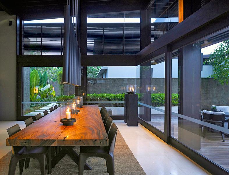 Rectangular tables bring gentle Energy    Credits: Alila Villas Soori