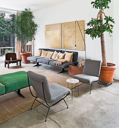 Credit: turbulences-deco.fr  Natural rugs are woven from fibers extracted from plants, including sisal, jute, seagrass and hemp. Because of their durability, affordable price and neutral color palette, natural rugs are especially good for high-traffic areas.