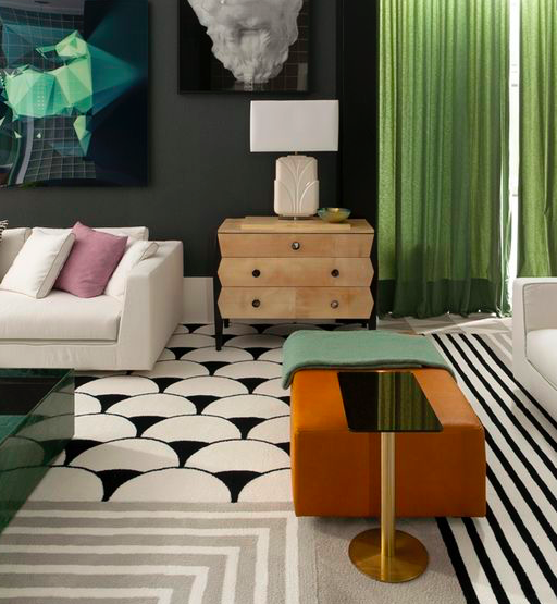 Credit: Tempo da Delicadeza   If your furniture is a solid color or neutral, try a patterned rug. For foolproof color coordination, match the secondary color in the rug to your sofa or key furniture.