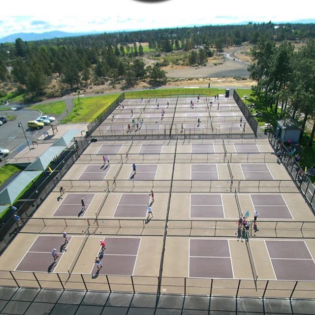 Congrats to Bend Pickleball Club.  Beautiful looking facility, enjoy the Battowels!!!