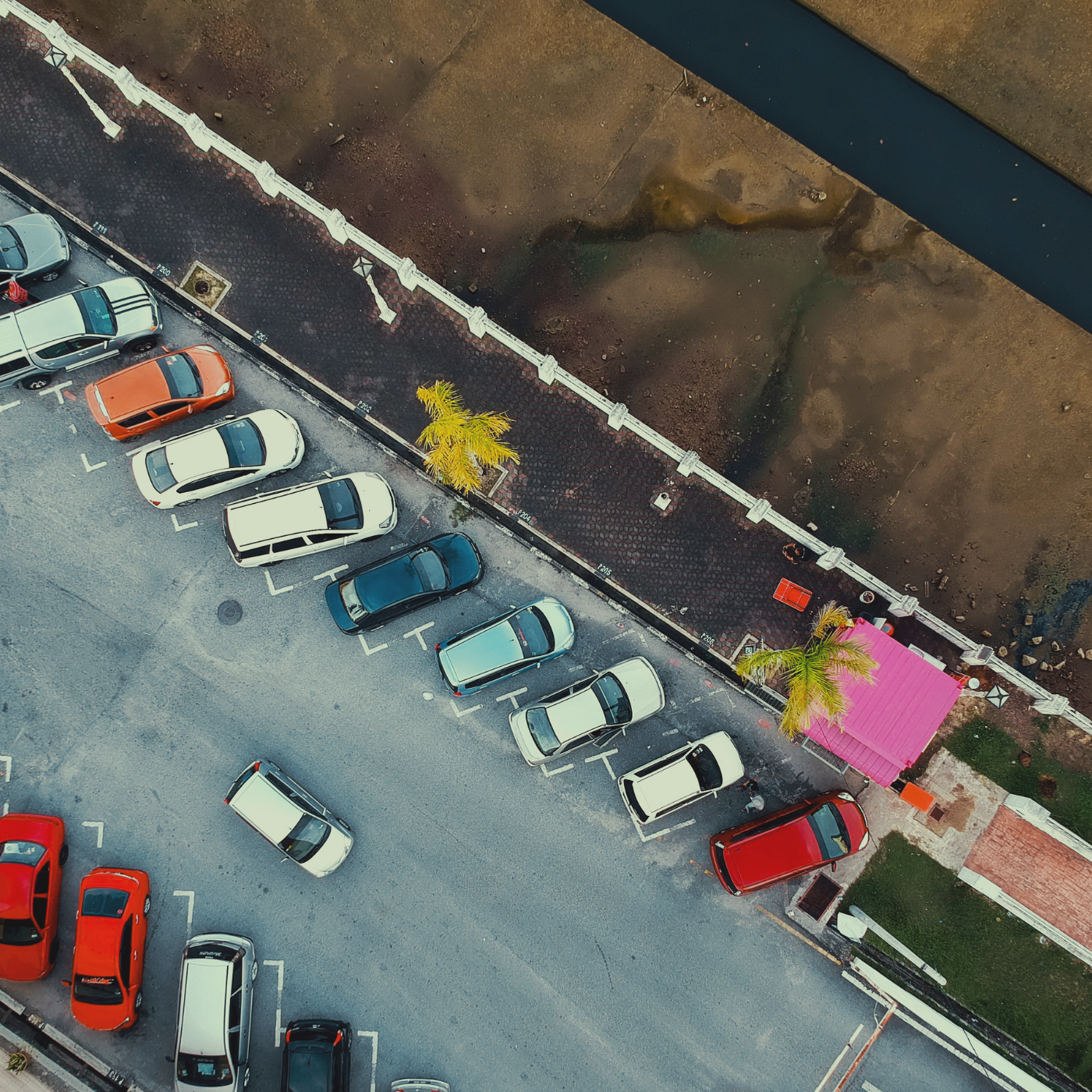 Solving parking together - Do more than park with Roadi