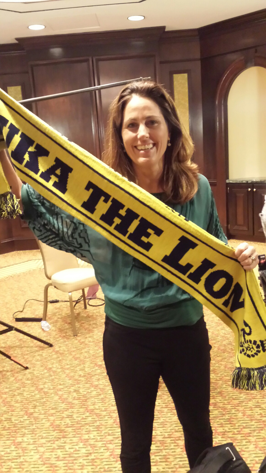 U.S. soccer legend, Julie Foudy, the inaguaral #LukaTheLIon #ScarfChallenge supporter