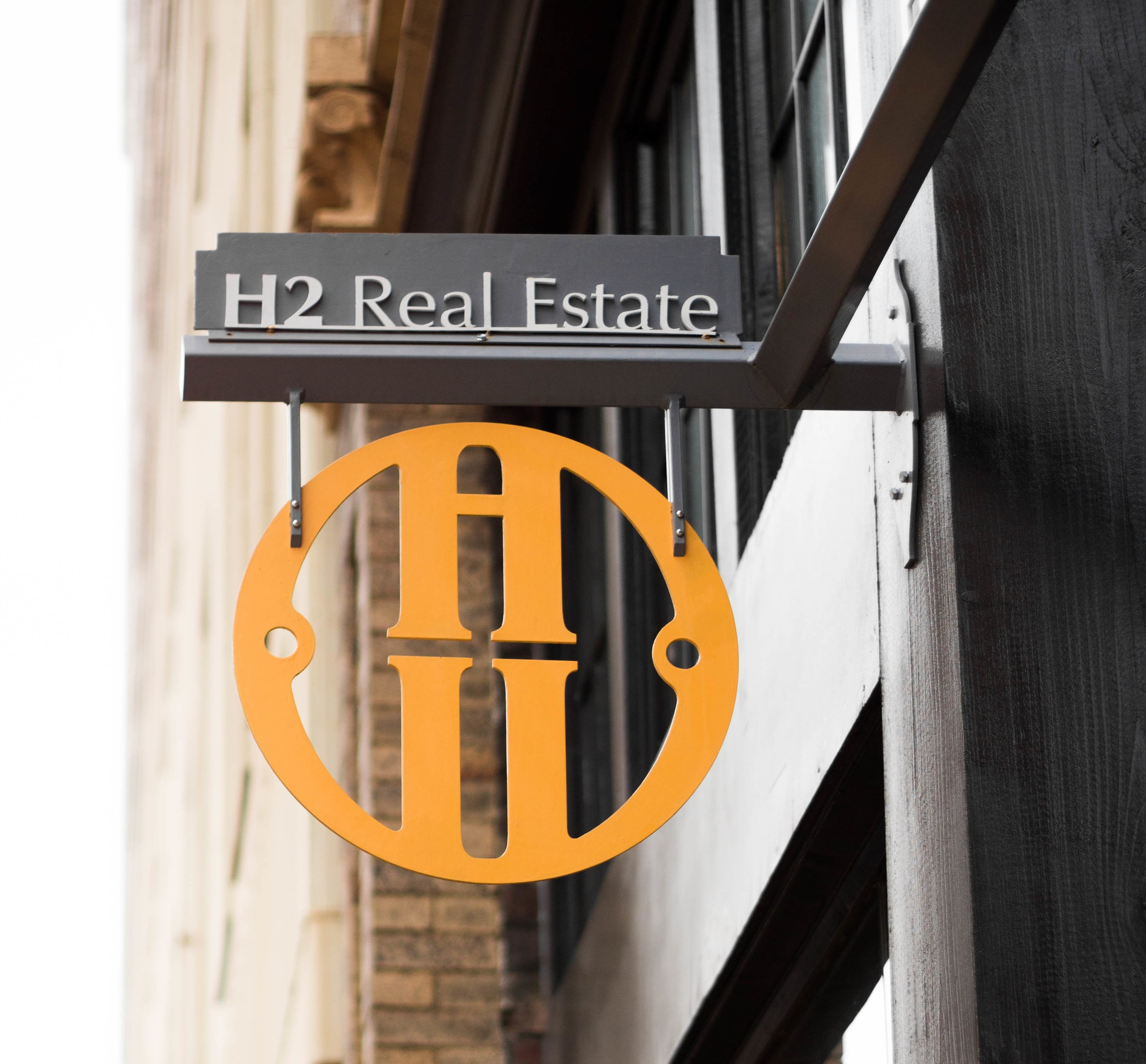 H2 REAL ESTATE SIGN FABRICATION