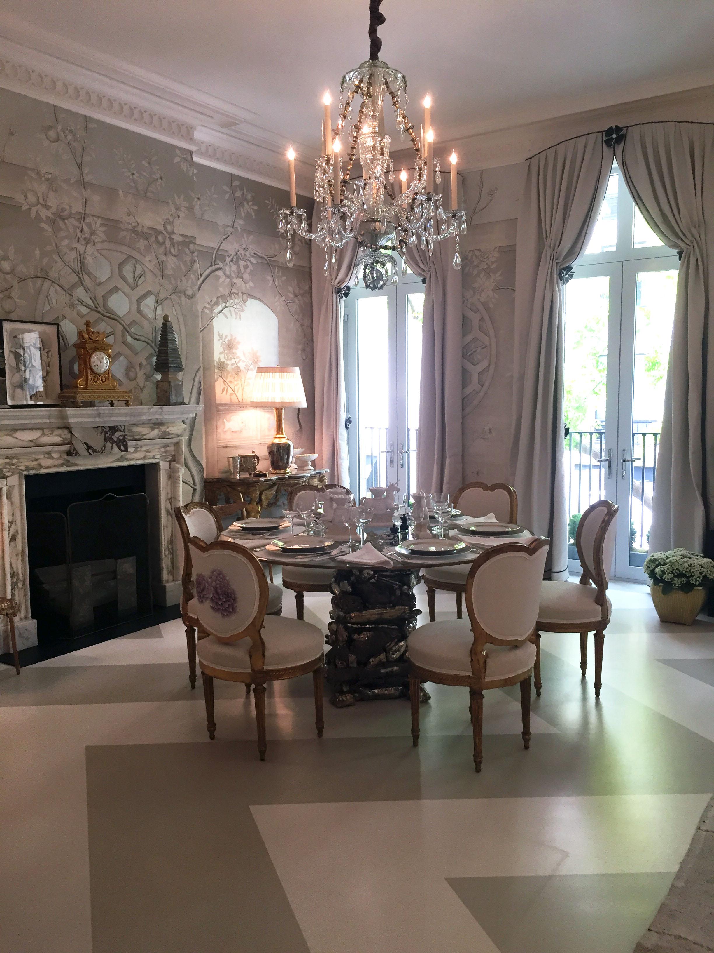 """Salle a Manger Glamour""Alex Papachristidis Interiors"