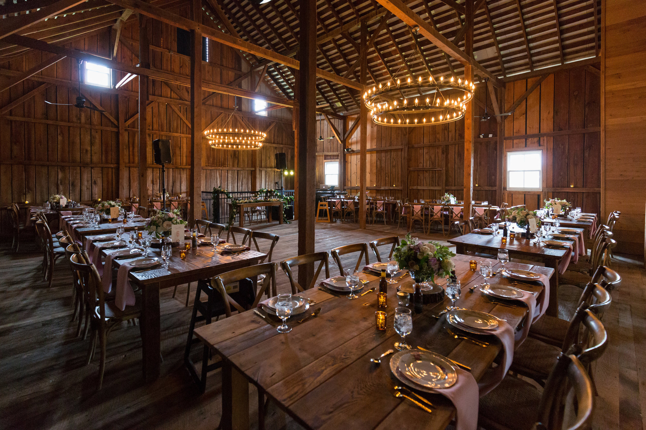 Kate & Jason Wedding; Caterer: Old Blue BBQ; Venue: Tranquility Farms; Photo: Darling Photography