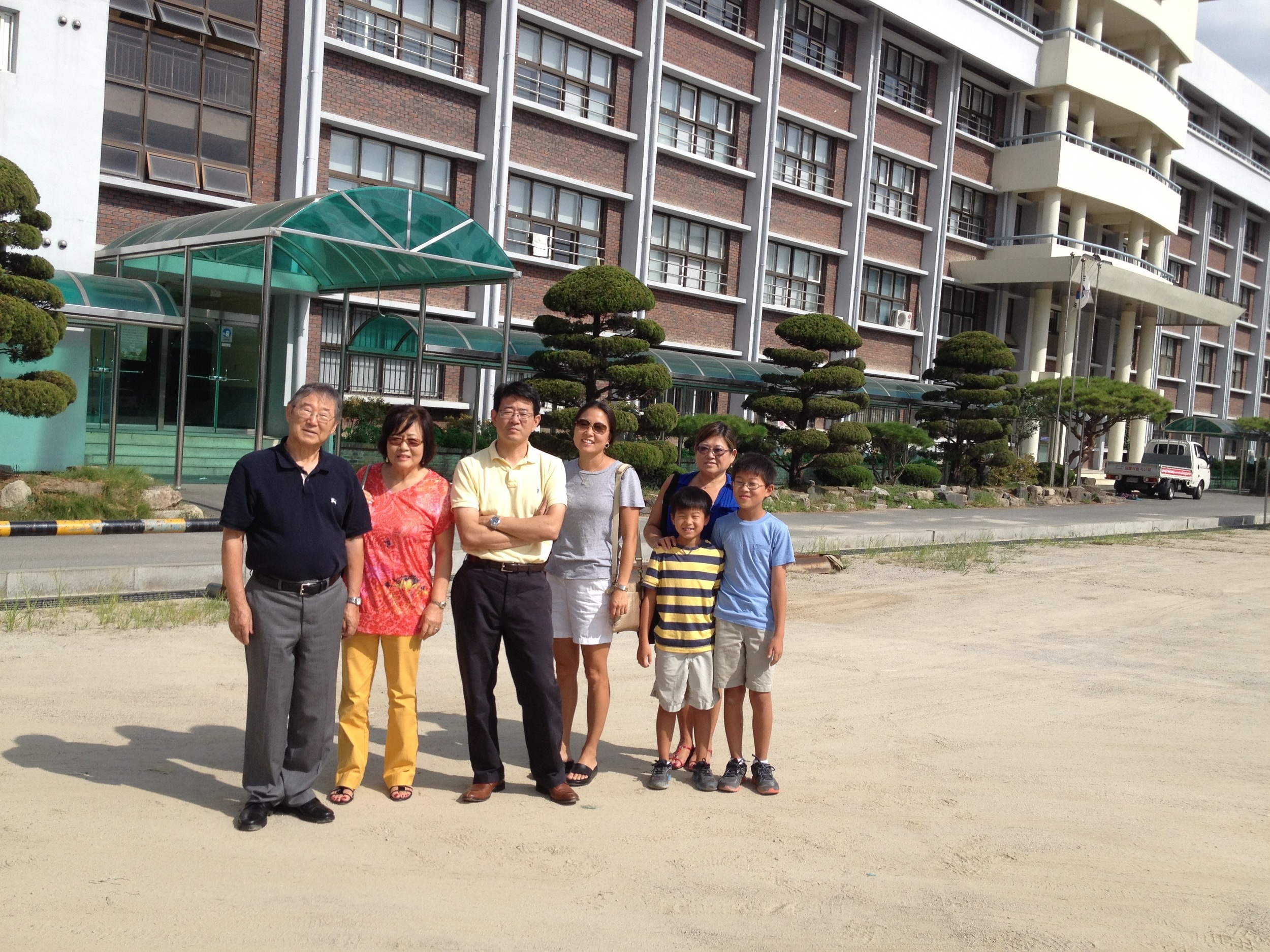 Joong Oh Rhee with some of his family in Korea, 2012
