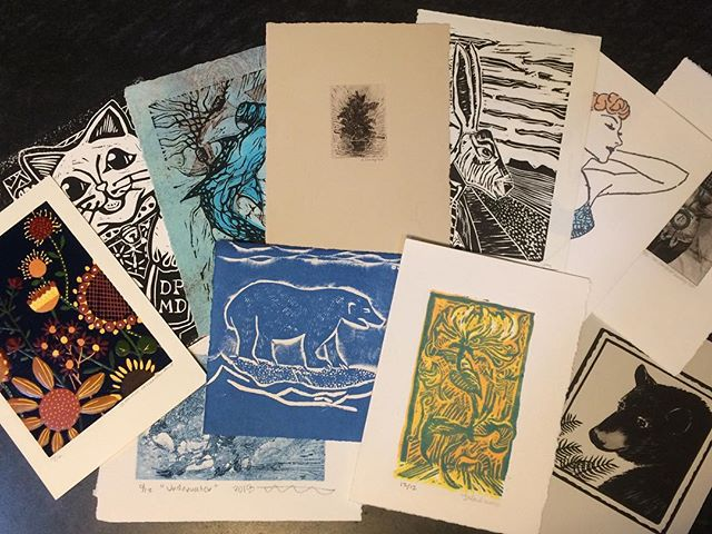 Another excellent print exchange! My submission is the black bear, in honor of my bear clan @rhossriel @aldensound  Many thanks to @whit_print and #emeraldprintexchange! #printmaking #linocut