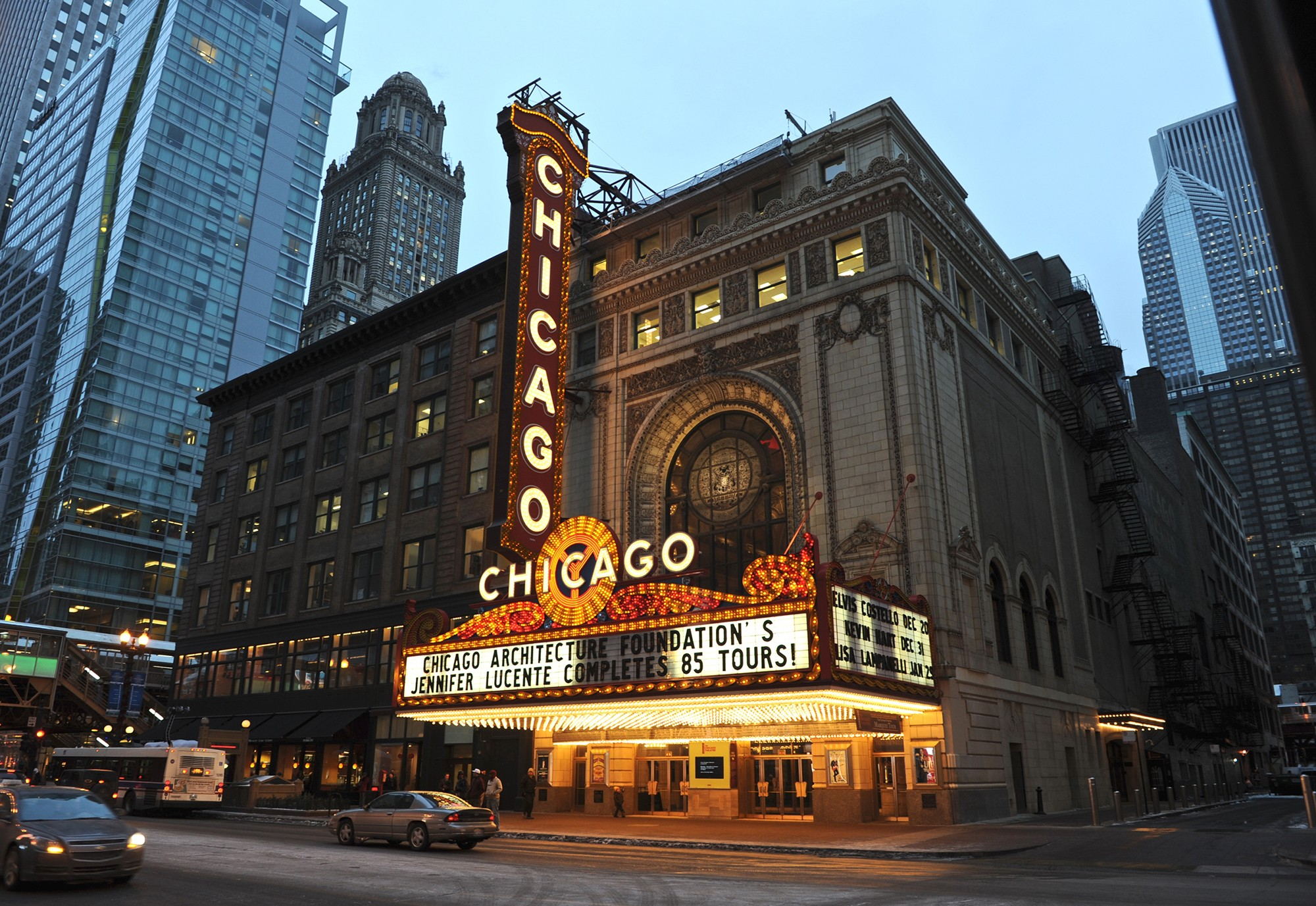 chicago-theater-01.jpg