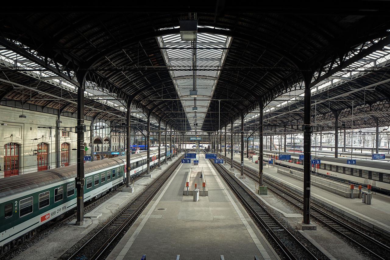 Stazione di Basilea.
