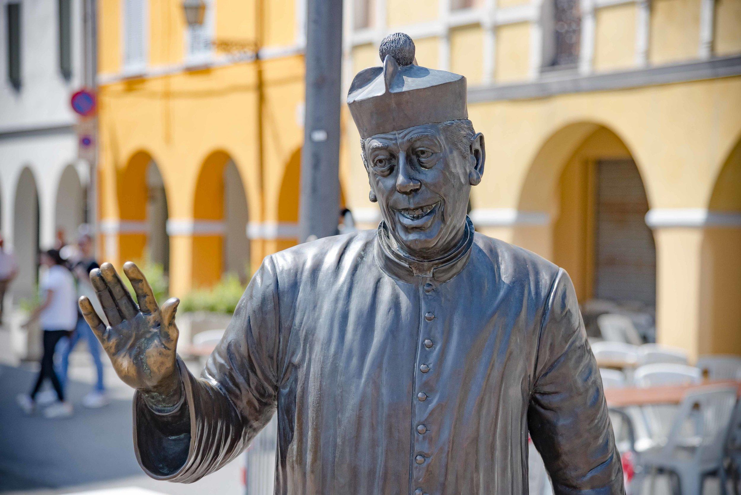 Statua di Don Camillo. Foto di Valerio Greco
