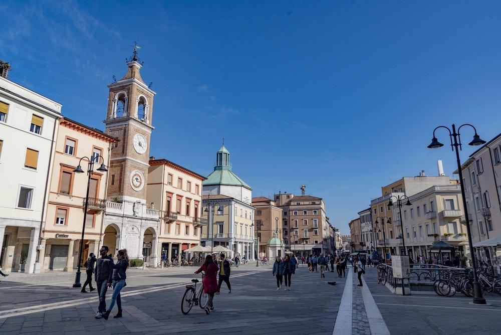 Piazza Tre Martiri, Rimini. Foto di Valerio Greco