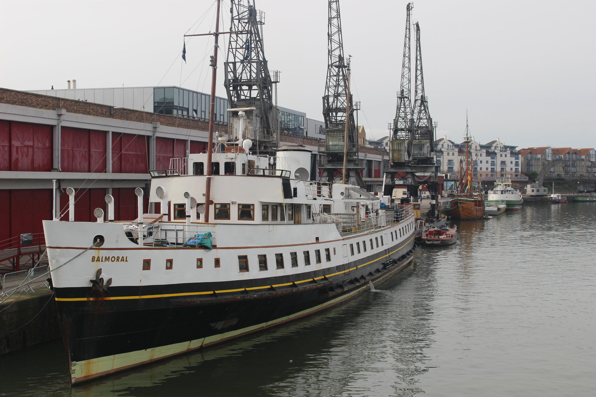 La Balmoral, Princes Wharf, Bristol. Foto di: Bristol Film Office