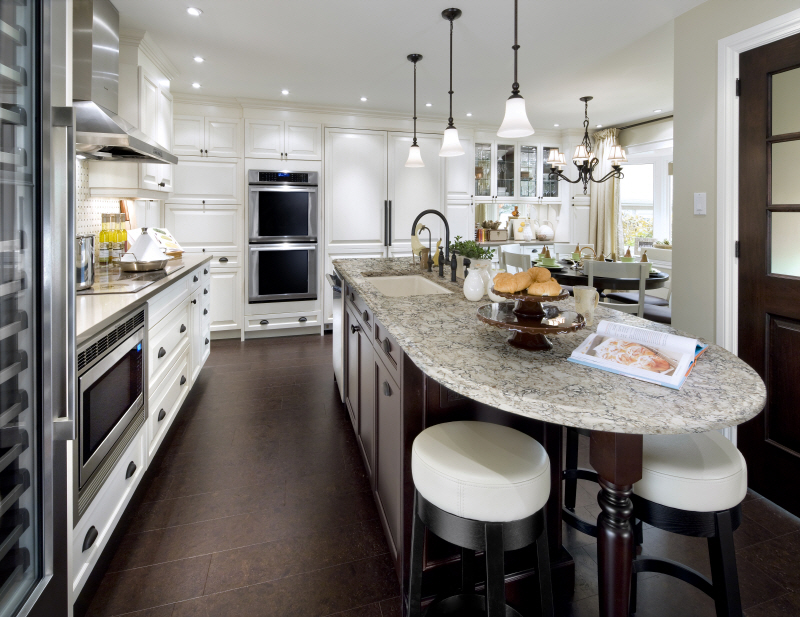 Natural Stone Style and Decor Features