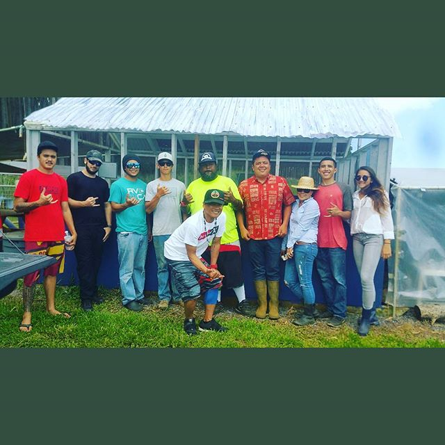 Wonderful day at the farm with my friends. Sharing sustainability with people who are interested.  #hawaiifoodandwine #naturalleegrown #kaunamanofarm
