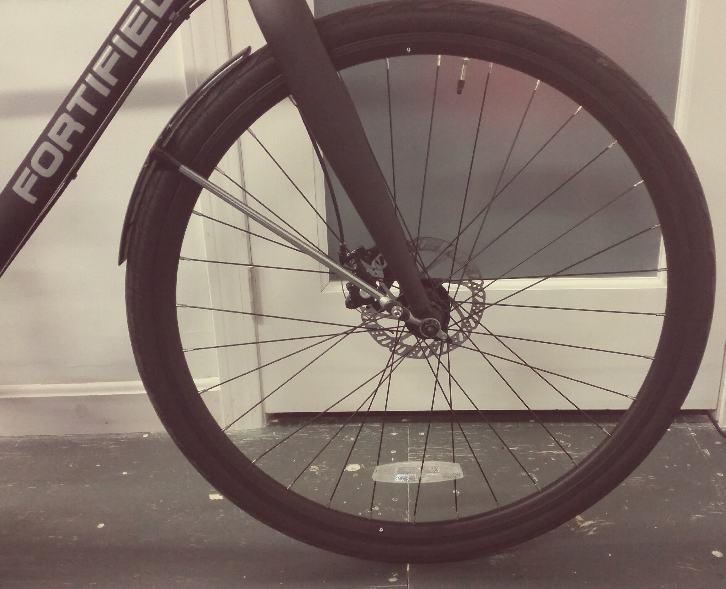 Front fender placement position (chain side of bike)