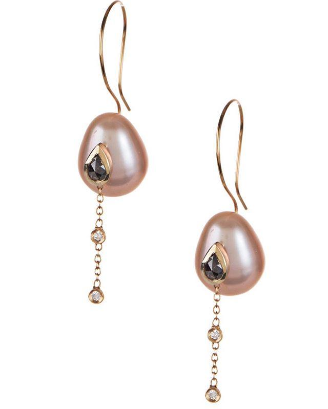 How I love raw diamonds and pearls together... #finejewelry #pearls #rawdiamonds @malibucolonyco @malibucountrymart #oceangems #zengems