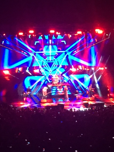 def leppard with an impressive video wall that added greatly to the presentation.
