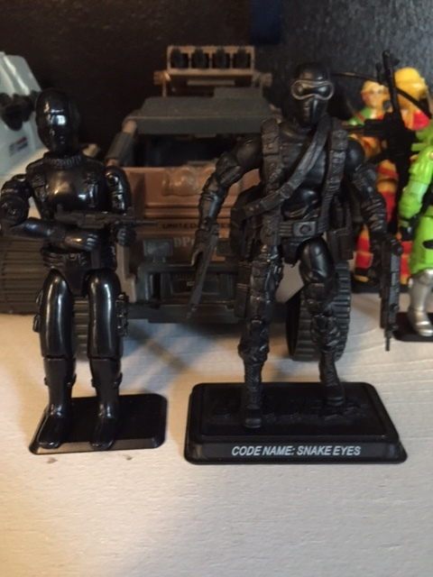 """I have always been a huge fan of the commando look for snake eyes. his 25th anniversary update is one of my favorites of that line. the more popular version of snake eyes seems to be the """"visor"""" version but i have always PREFERRED the more military """"commando"""" version."""