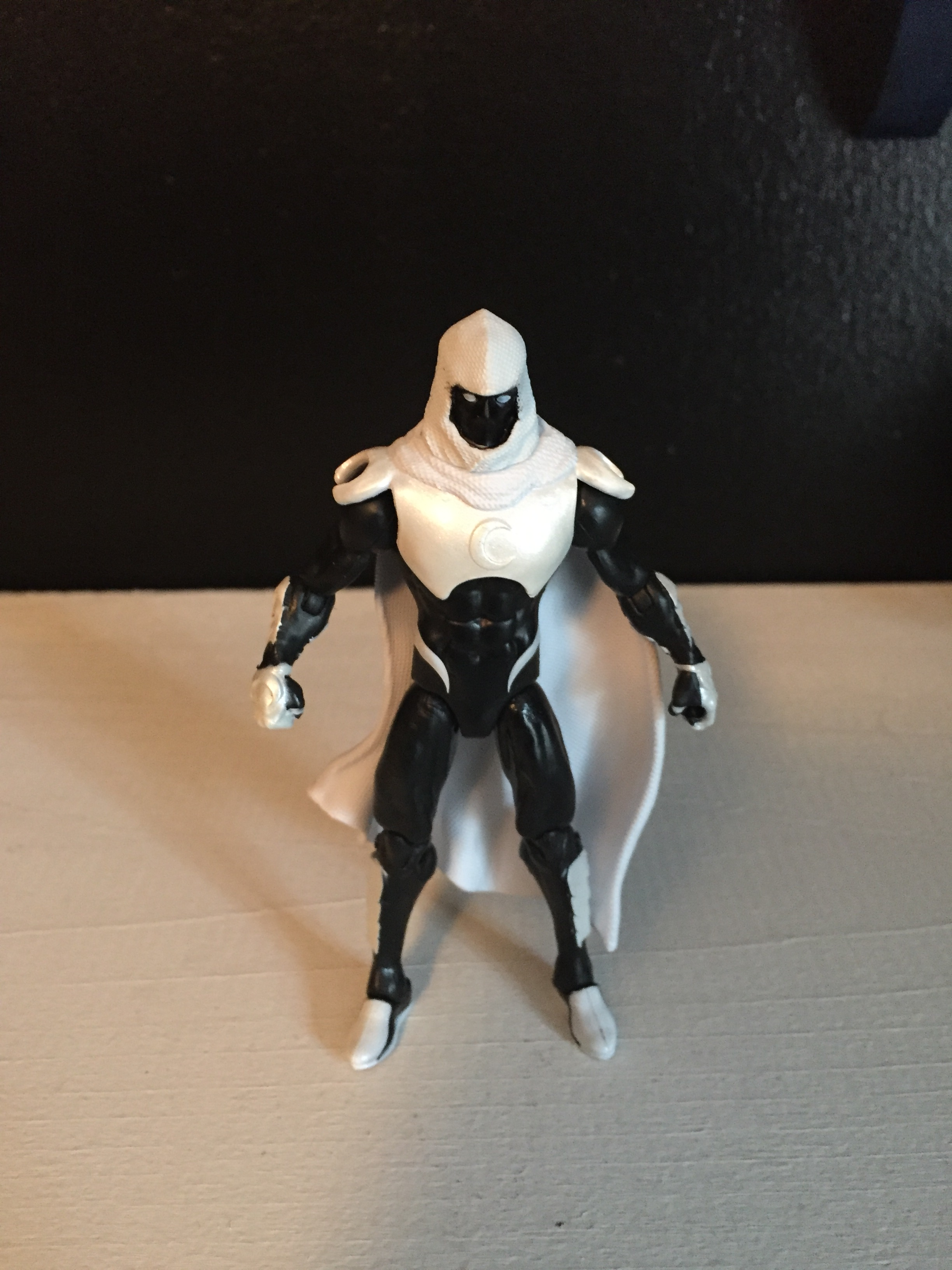 "2017 marvel legends 3.75 inch moon knight action figure.  which moon knight era is this from?  your guess is as good as mine.  they are just calling it ""modern moon knight"" which honestly could be anything.  still, a pretty cool design."