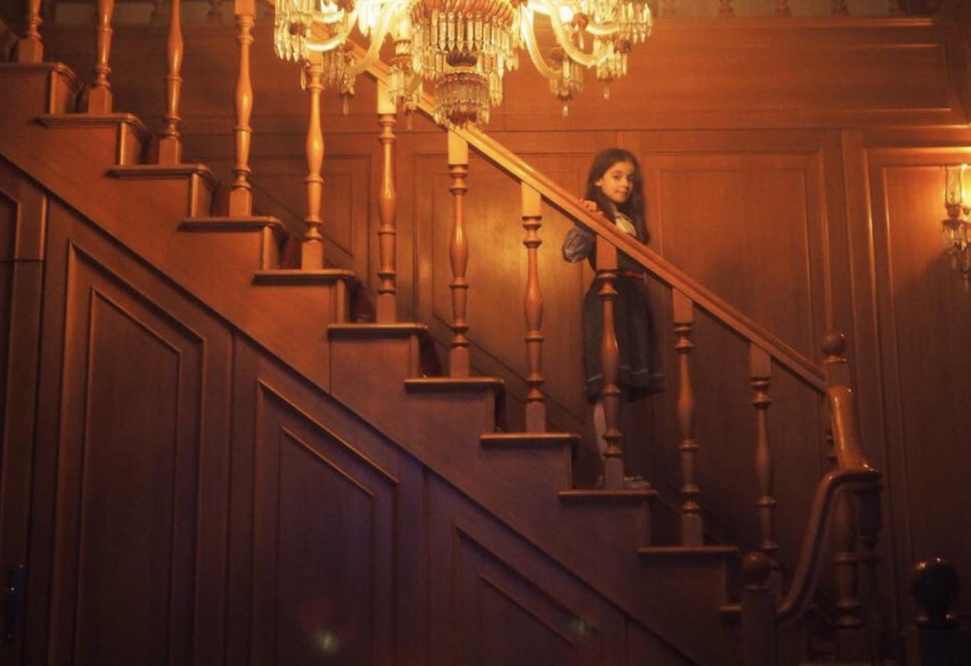 Housewife 3.jpg