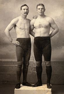 Frank Gotch and Farmer Burns.jpg