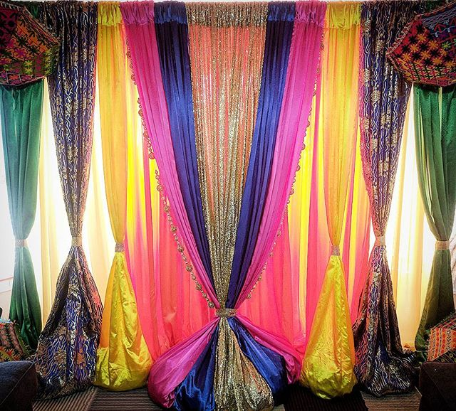 Colourful designs to make your events stand out! • • • • • #minttobe #decor #custom #setups #wedding #engagement #parties #events #backdrops #props #gta #toronto #ontario #canada #bride #groom #indianweddings #sangeet #mayiah #torontoevents