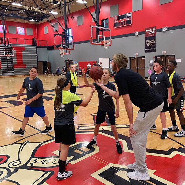 Jump ball! #throwback to camp 🏀 #justinstommesbasketball