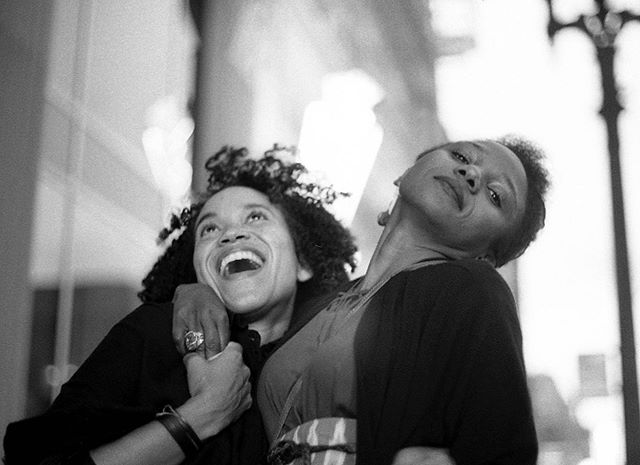 Piwai & Duana, happily saying goodnight after another sound adventure @barshiruoakland #35mm #bw #leica #ilford #filmphotography