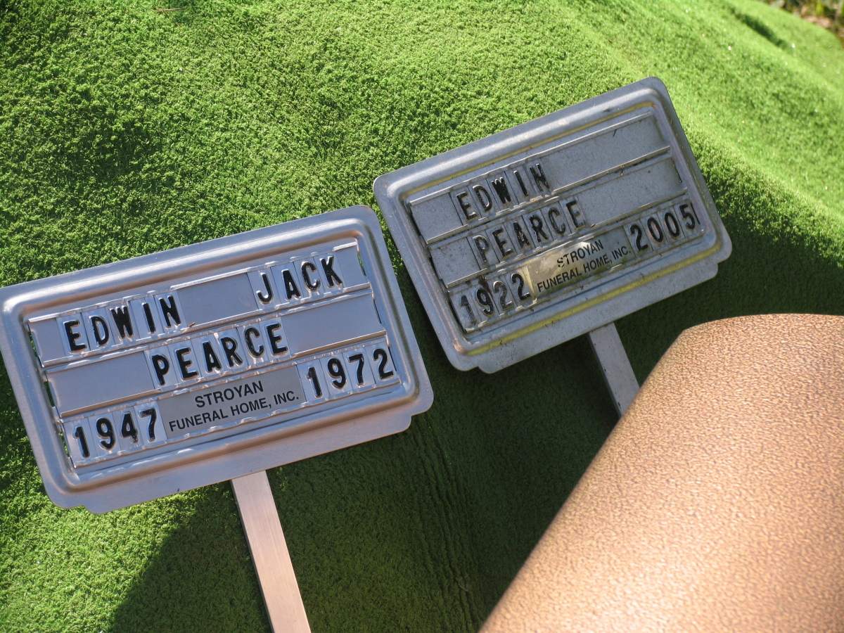Grave markers for Edwin Jack Pearce and his father, Edwin Pearce. Photo courtesy of Pearce family.