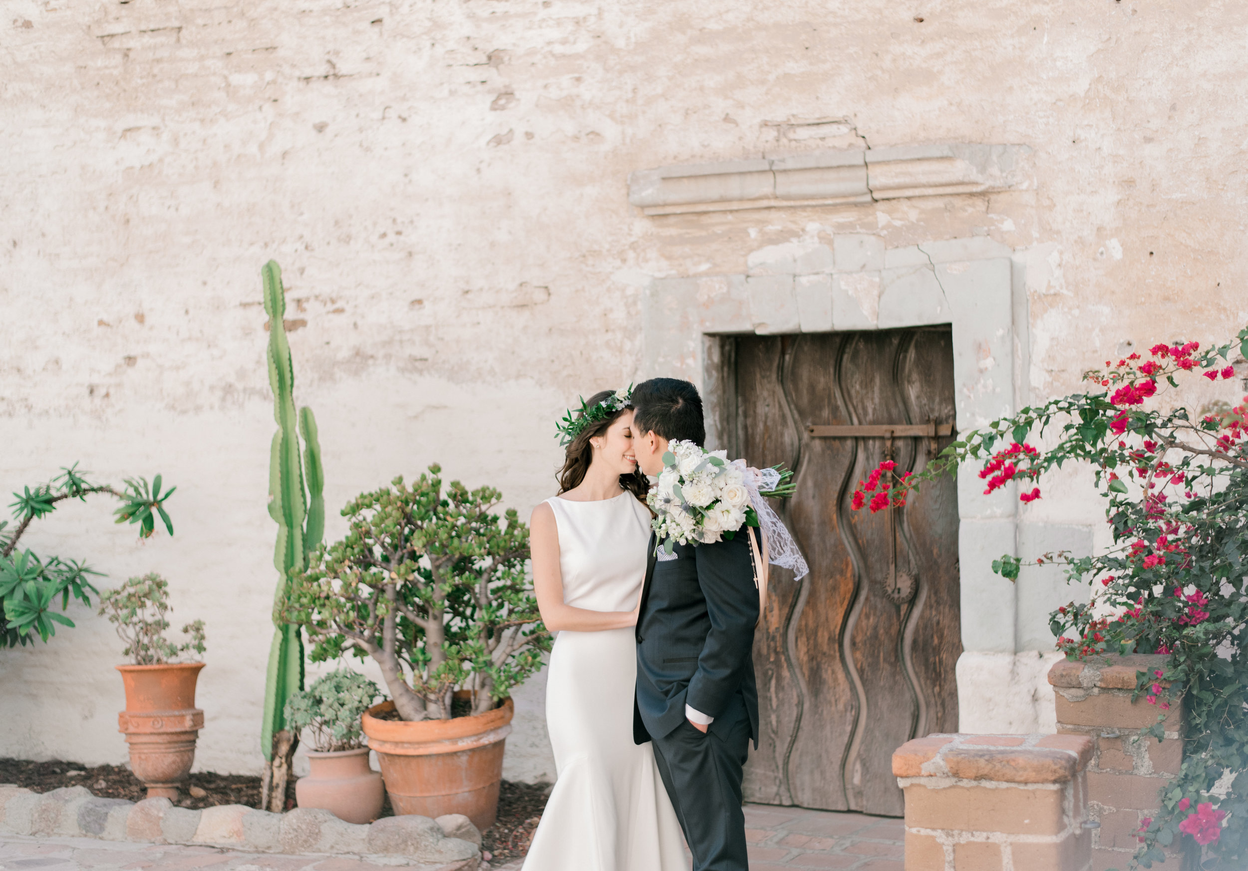 The Popular Collection$2750 - FREE CONSULT & PLANNING SERVICE2 PROFESSIONAL WEDDING PHOTOGRAPHERSONLINE GALLERY OF HIGH RESOLUTION IMAGESPRINTING RIGHTS OF ALL IMAGES1000 PROFESSIONAL EDITED IMAGES8 HOURS OF WEDDING DAY COVERAGE