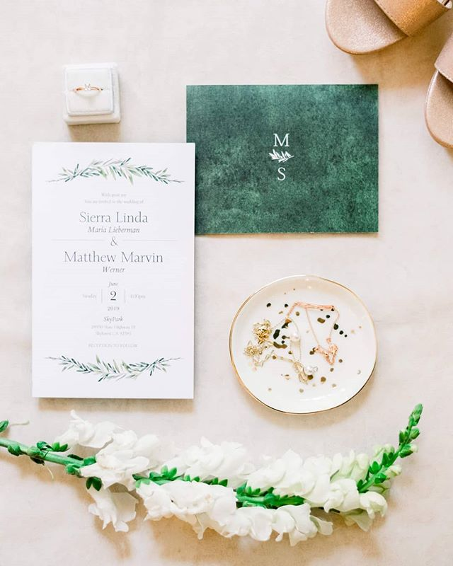 I am loving the touches of green on my couples details this year! I could post green on my feed all day everyday no joke!!! And these pink and gold accents got me 😍😍😍 @skyparkweddings @oakandivydesigns . . . #weddinginvitations #gettingmarried #huffpostido #junebugweddings #loveauthentic #loveintentionally #weddinginspiration #bestweddingmoments #brideandgroom #napaweddingphotographer #weddingdetails #weddingstyle #lakearrowheadwedding #junebugweddings #luxurywedding #fineartphotography #bigbearlake #laweddingphotographer #orangecountyphotographer #sandiegoweddingphotographer #destinationweddingphotographer #weddinginspiration #weddingchicks #adventurousphotographers #weddingring #wanderingphotographers  #wyomingweddingphotographer #soloverly #sanfranciscoweddingphotographer #weddingdress