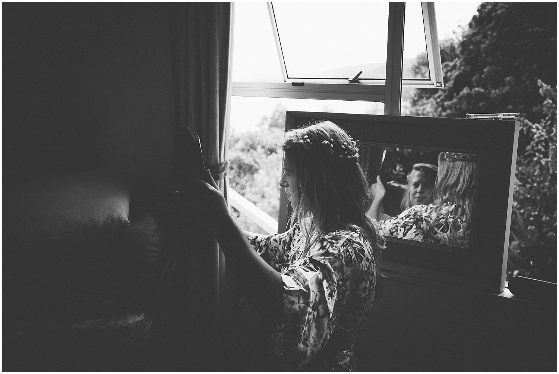 Hannah getting ready | Carmen Peter Photography.jpg