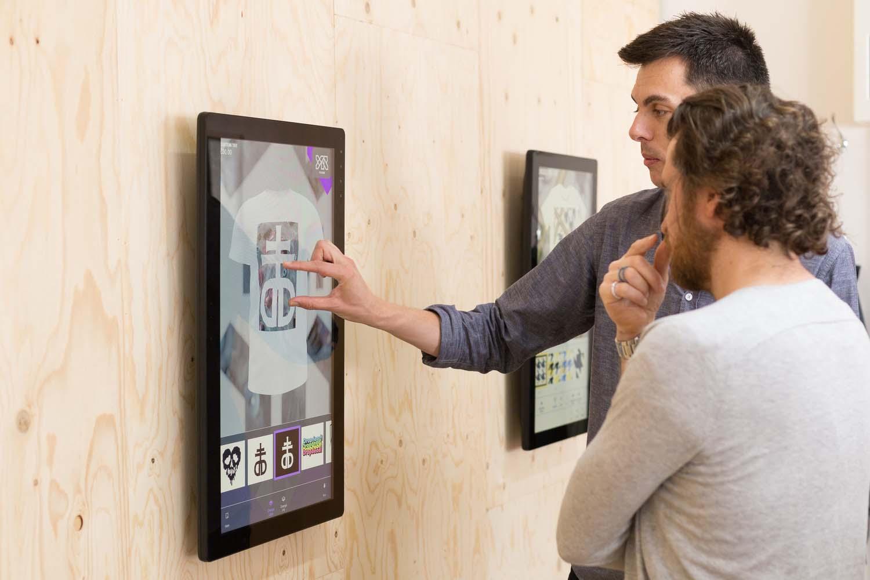 YR-Live-TouchScreen.jpg