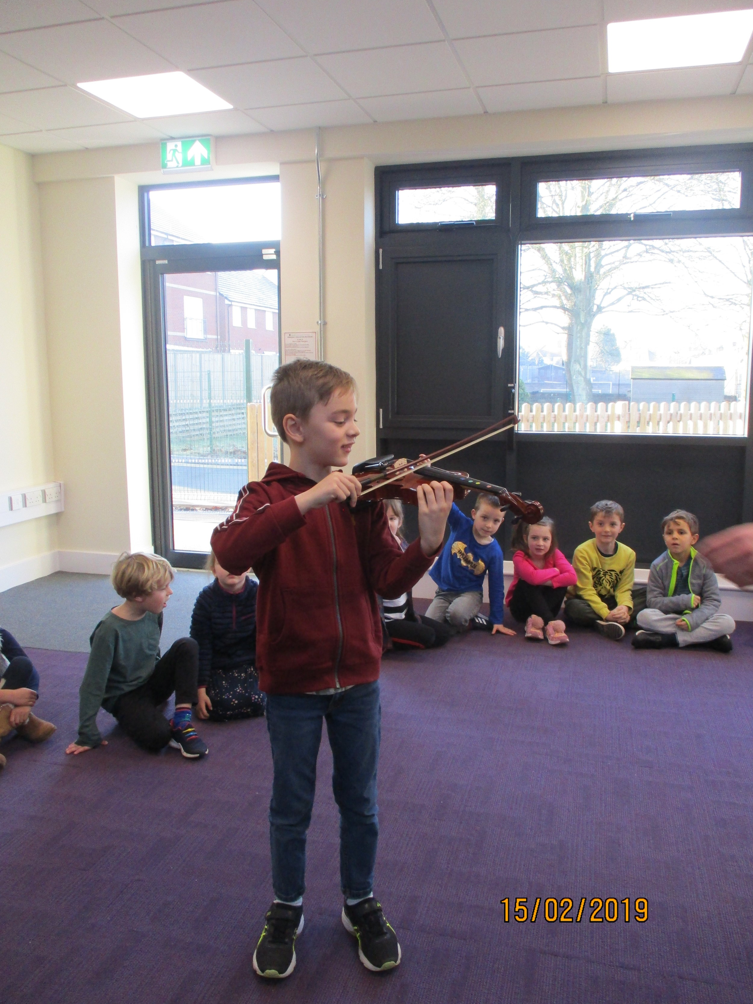 We are all musicians! We have been exploring how to play the violin, trumpet, recorder, claves, drums and cymbals!