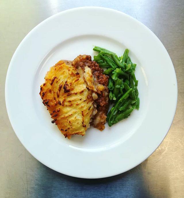 Delicious cottage piieeeeeeee 😄  #chefsinschools #schooldinners #homemade #cottagepie