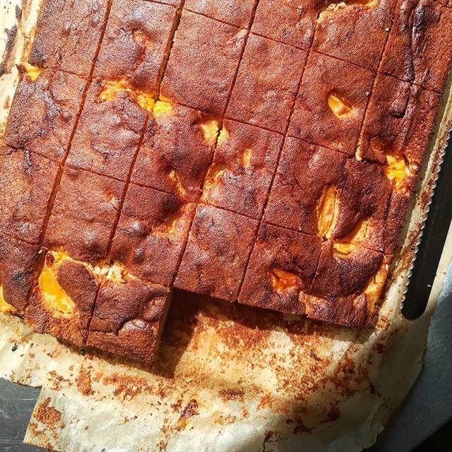 Feeling peachy 🎂  #chefsinschools #peachcake #fruitcake #summercakes