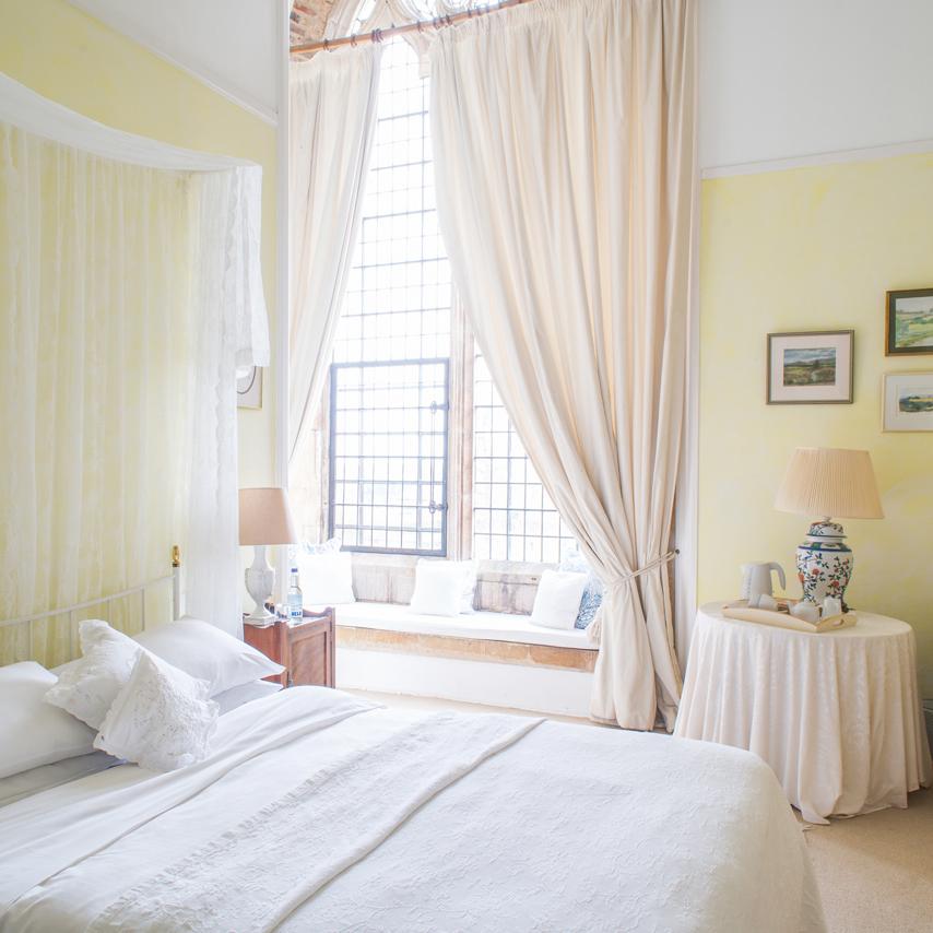 Copy of lemon bedroom square.jpg
