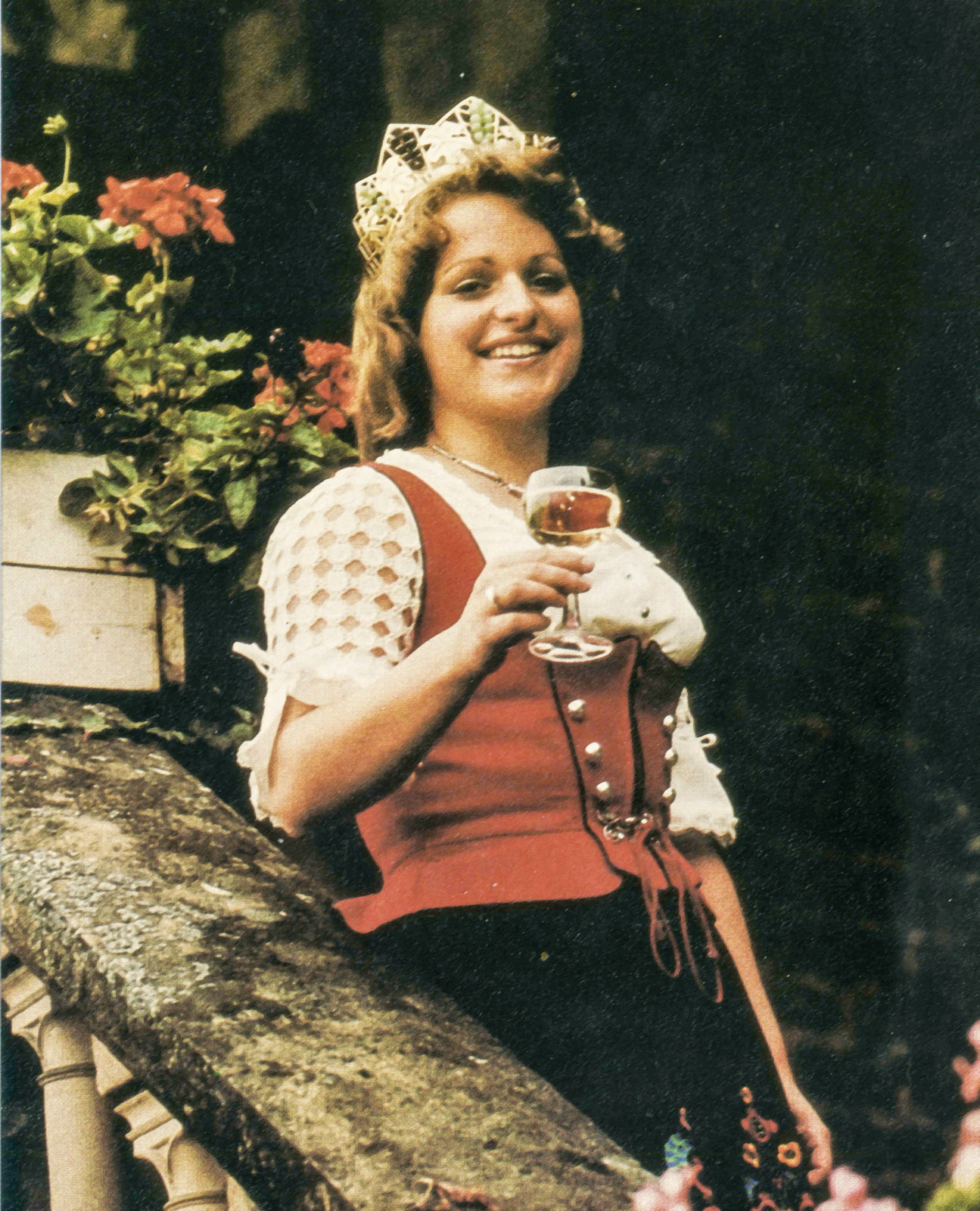 Doris Emmerich Koebernik als deutsche Weinkönigin 1974