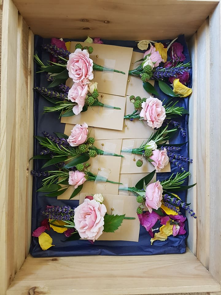 buttonholes pink