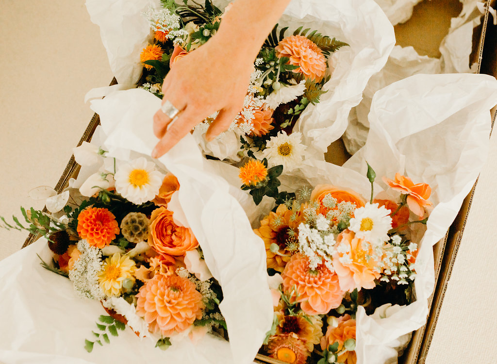 stephanie-green-wedding-photography-sulaflowers seasonal british bridal bouquet. dahlias london florist