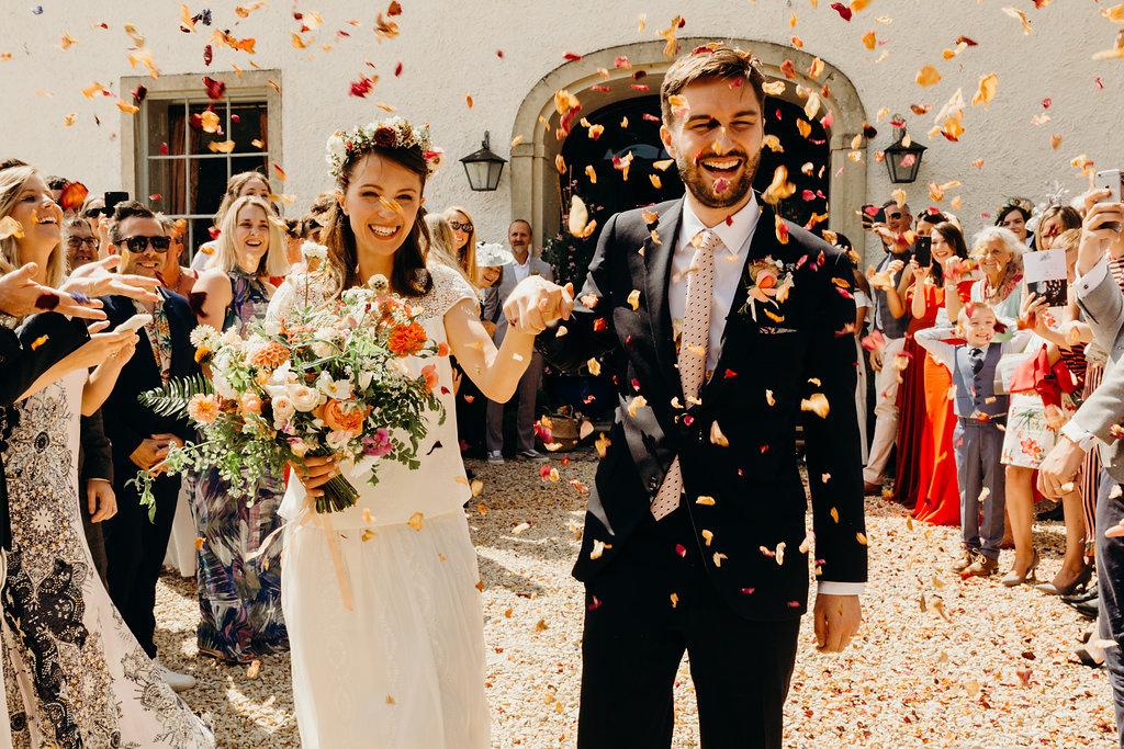 london florist bridal bouquet wild colourful tonal style