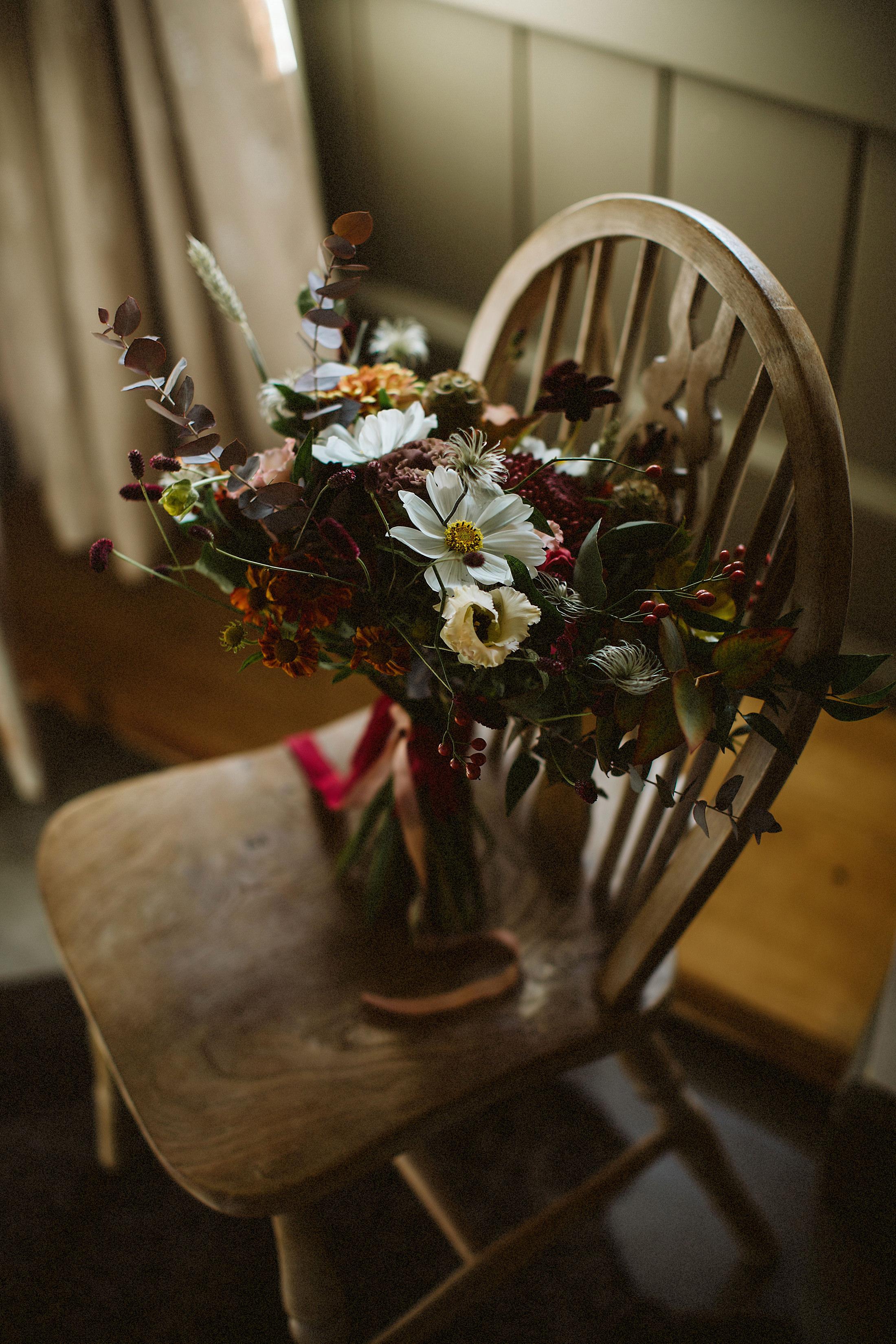 bridal bouquet autumnal sulaflowers