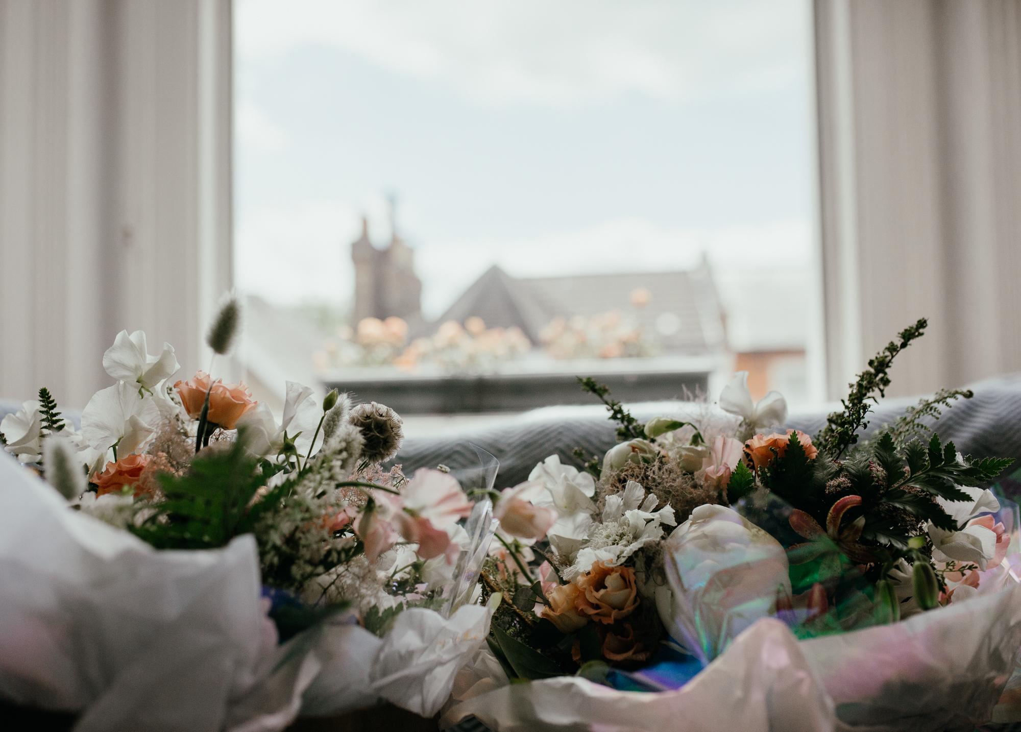 Nicebunch wedding flowers sula london-islington-town-hall-depot-n7 ethical british luxury bouquet bride bridesmaids stephanie-green-wedding-photography
