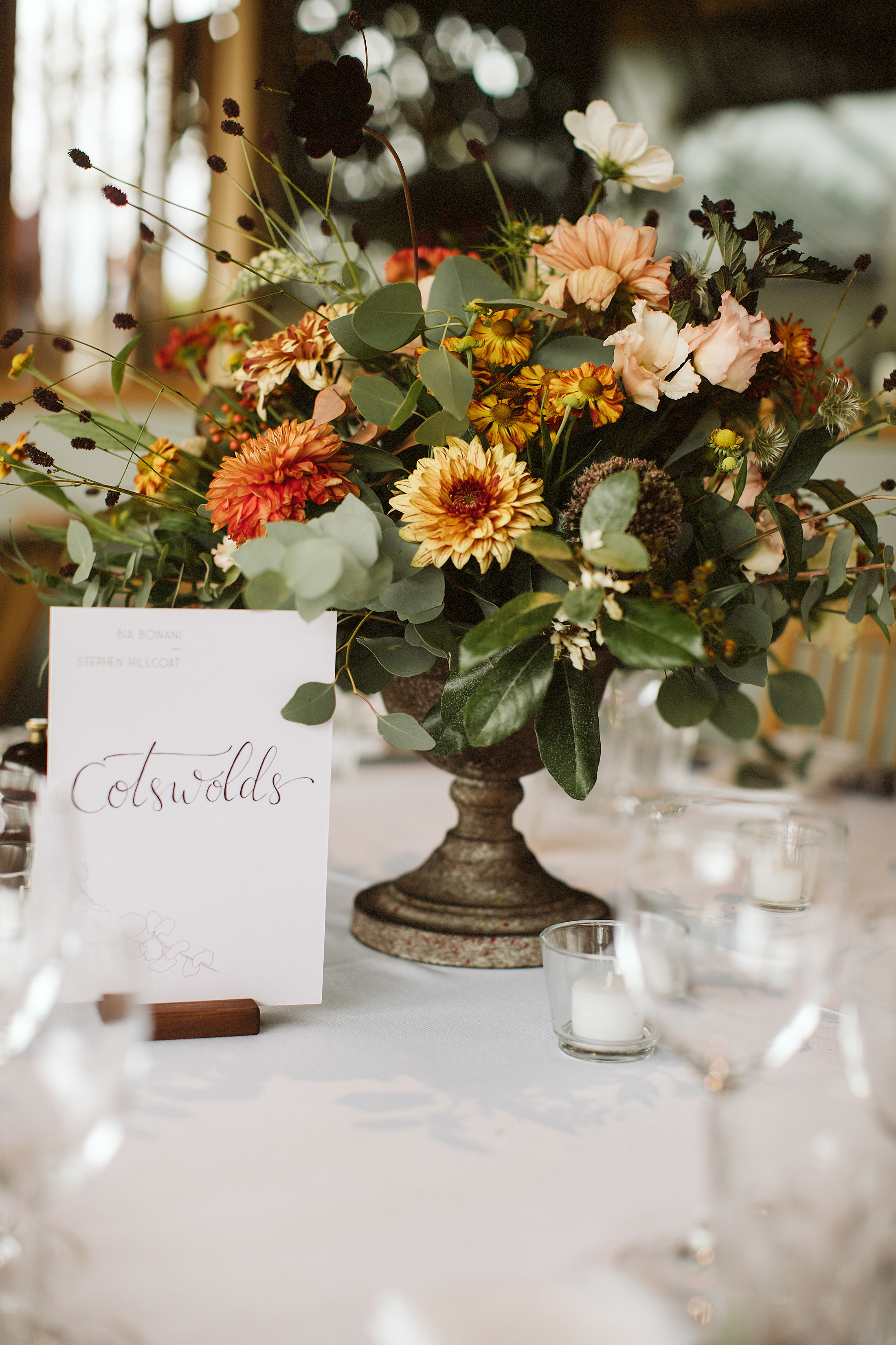 Nicebunch flowers sula stonebarnwedding costwolds ethical british luxury bouquet albumweddings autumn
